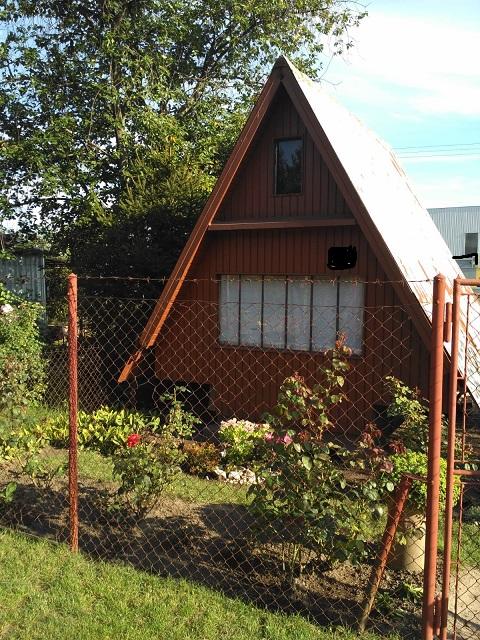 Pekná záhradka – záhradný domček na relax