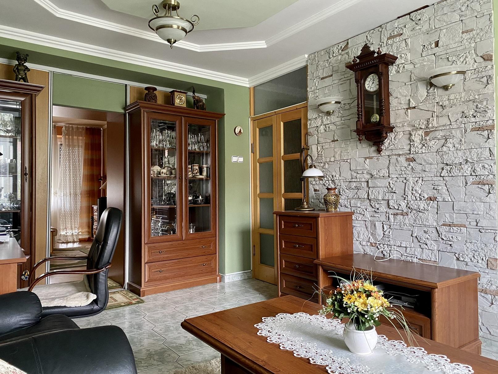 Predaj tehlového bytu s balkónom  a pekným výhľadom